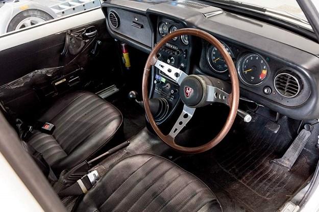 Mazda 10A Familia sedan