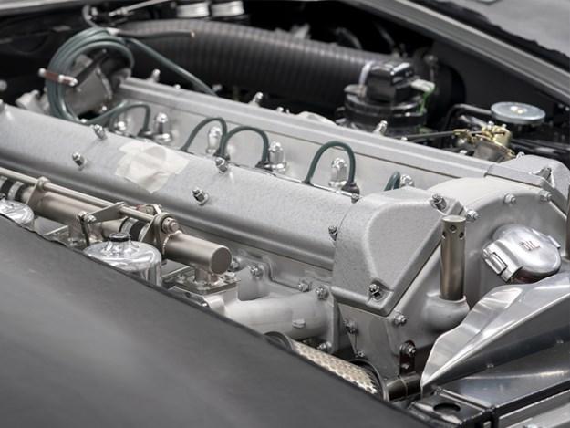 NEw-DB5-engine.jpg