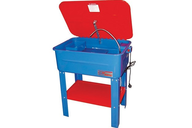 R:\Web\WebTeam\Mary\Motoring\UC 440\gearbox\parts-washer-tub.jpg