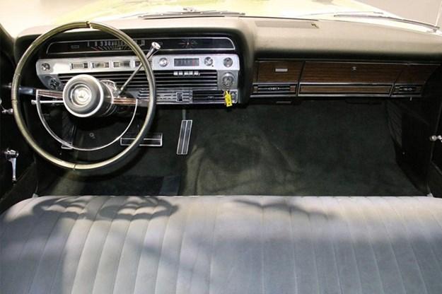 Ford-LTD-interior.jpg