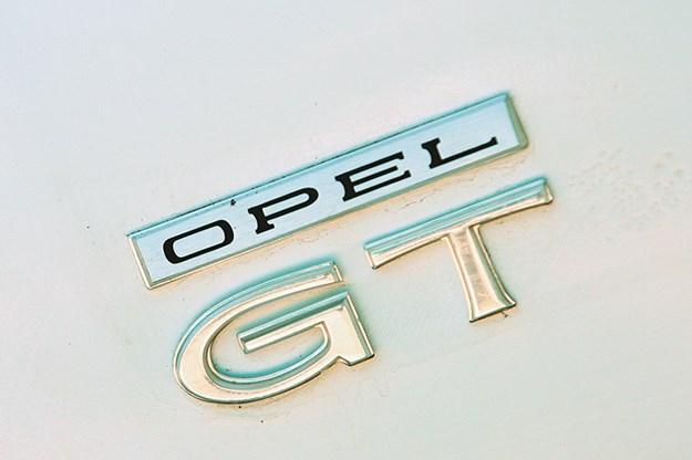 Opel GT badge