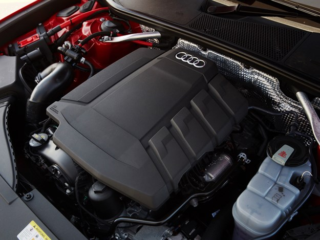 Audi-A6-engine.jpg