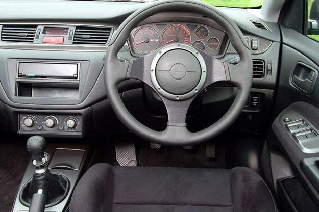 Mitsubishi Evo dash
