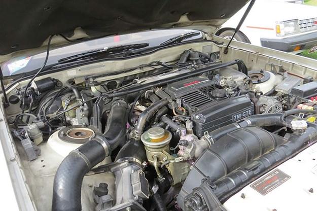 Toyota Soarer engine bay