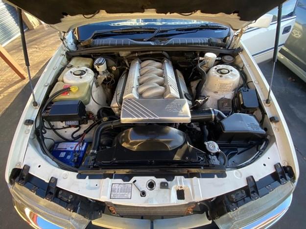 Holden-VQ-Caprice-engine.jpg