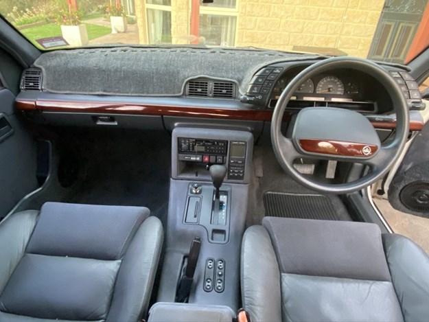 Holden-VQ-Caprice-interior.jpg