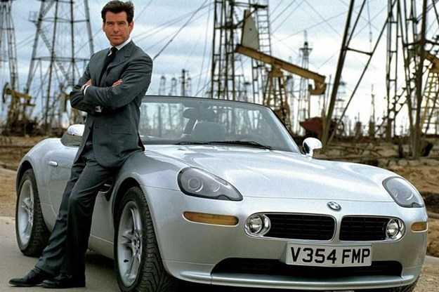 R:\Web\WebTeam\Mary\Motoring\UC 440\mick\james-bond-bmw-z8.jpg