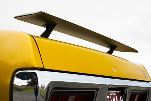 R:\Web\WebTeam\Mary\Motoring\UC 440\road runner\plymouth-road-runner-rear-wing.jpg