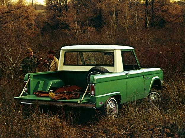 Ford-Bronco-History-G1-halfcab.jpg