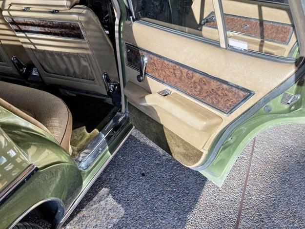 HQ-Statesman-interior-rear.jpg
