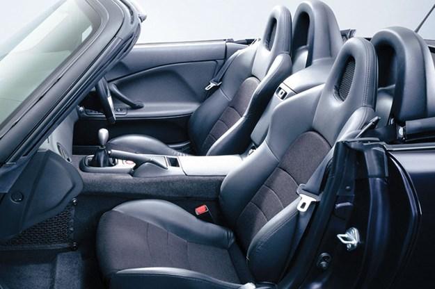 R:\Web\WebTeam\Mary\Motoring\UC 441\s2000\honda-s2000-interior-2.jpg