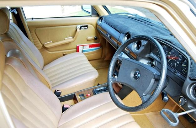 W123-interior.jpg