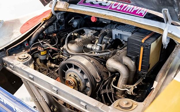 jacky-ickx-dakar-959-engine.jpg