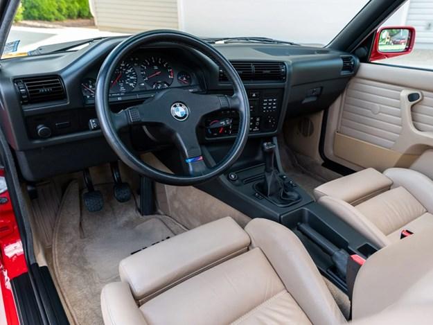 BMW-E30-M3-interior.jpg