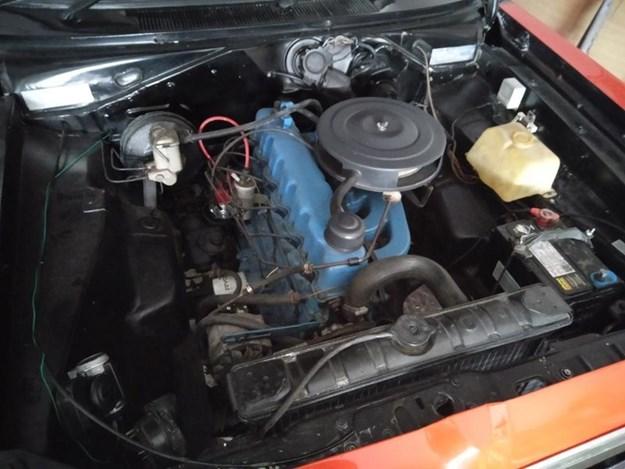 VK-Valiant-ute-engine.jpg