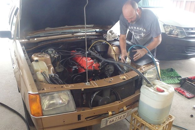 R:\Web\WebTeam\Mary\Motoring\UC 441\our shed vb\holden-vb-commodore-aircon-11.jpg
