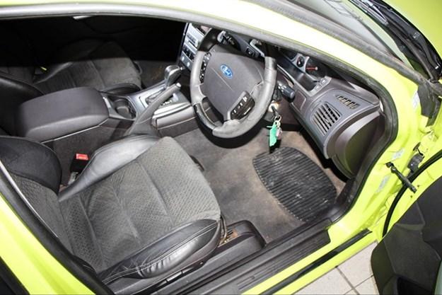 BA-XR6T-interior.jpg