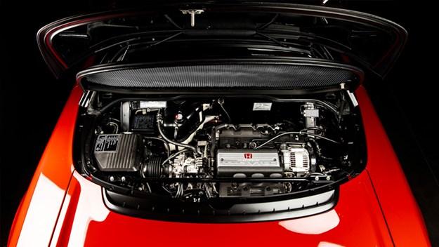 Honda-NSXR-engine.jpg