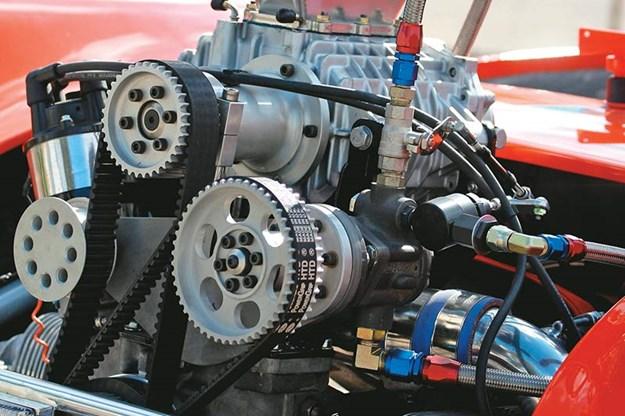 R:\Web\WebTeam\Mary\Motoring\UC 261 to 399\UC 307\goggomobil\goggomobil-drag-car-engine-2.jpg