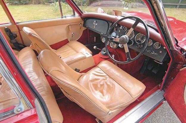 jensen-541r-interior.jpg