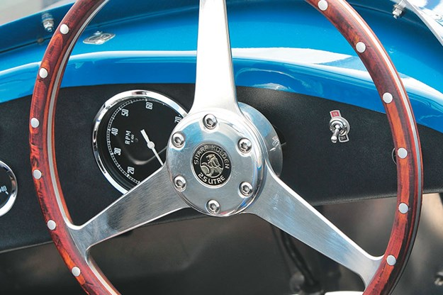 special-delivery-holden-racecar-dash-2.jpg