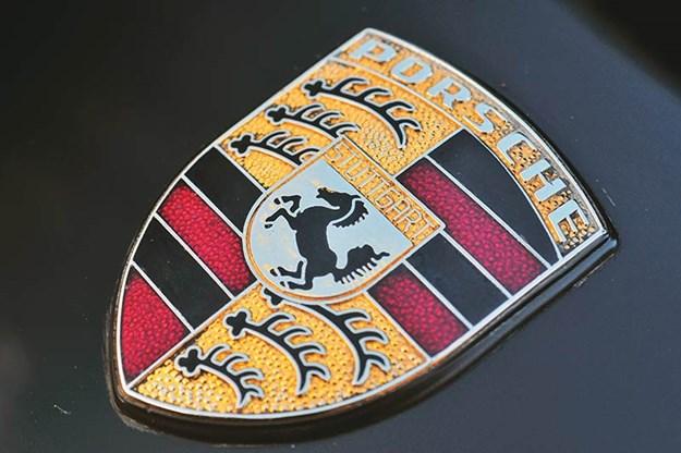 porsche-924-badge.jpg