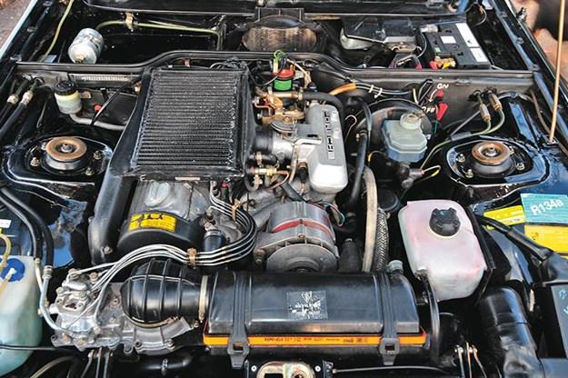 porsche 924\porsche-924-engine-bay.jpg