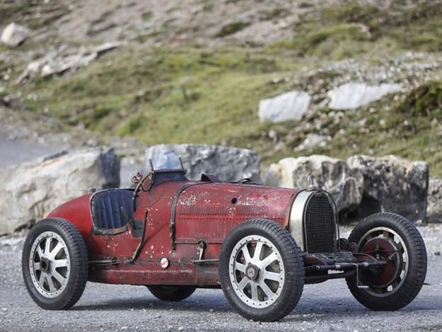 Bugattis-for-auction-trio-lot-10.jpg