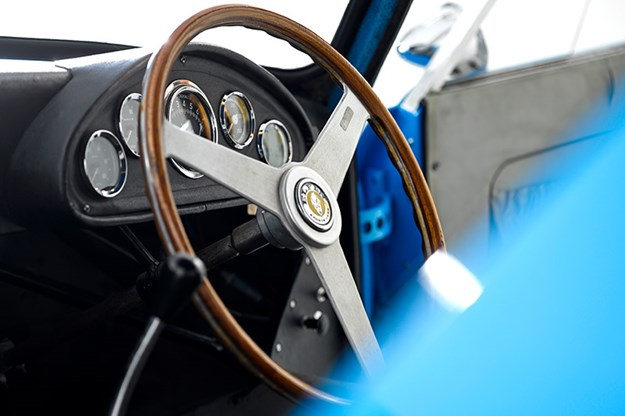 elfin-gts-coupe-steering-wheel.jpg