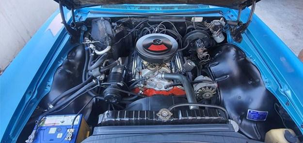 Chevrolet-Impala-engine.jpg