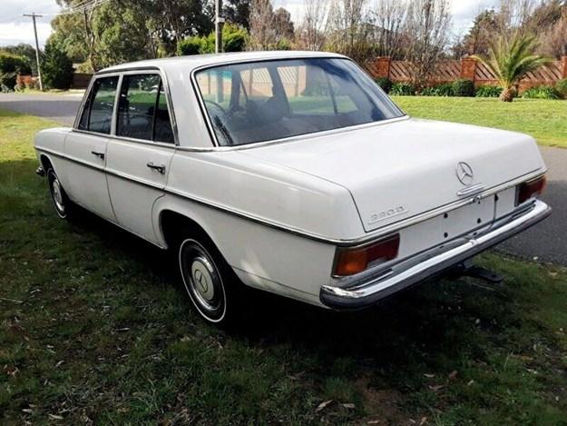 Mercedes-220D-rear-side.jpg