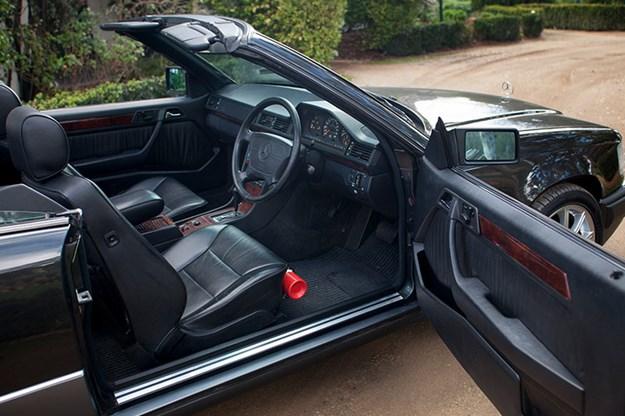 mercedes-benz-w124-interior.jpg