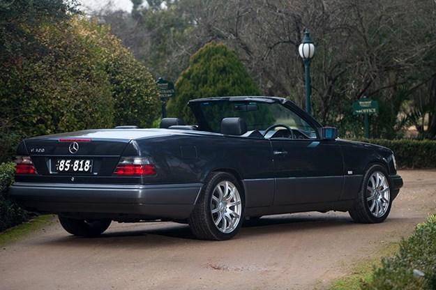 mercedes-benz-w124-rear.jpg