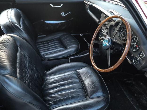 Aston-Martin-DB4-GT-Zagato-interior.jpg