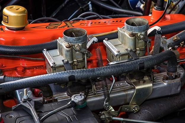 holden-x2-wagon-engine-bay-2.jpg