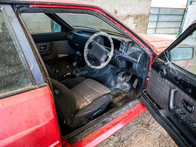 Barn-find-audi-quattro-interior.jpg