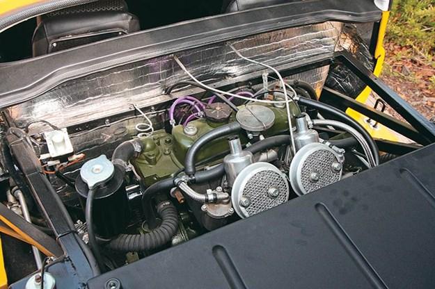 gt-engine-bay.jpg