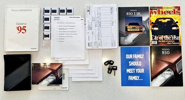 Volvo-850-t5R-books.jpg