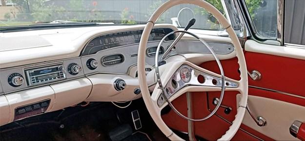 1958-Impala-tempter-interior-front.jpg