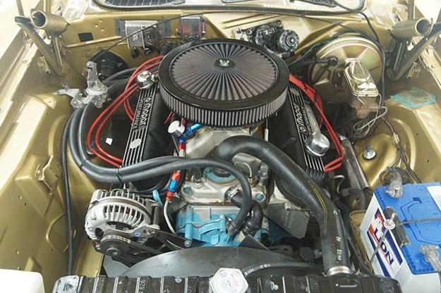 plymouth-barracuda-engine-bay-2.jpg