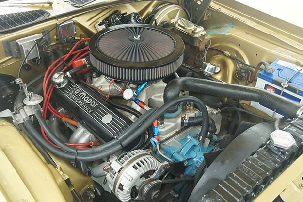 plymouth-barracuda-engine-bay.jpg