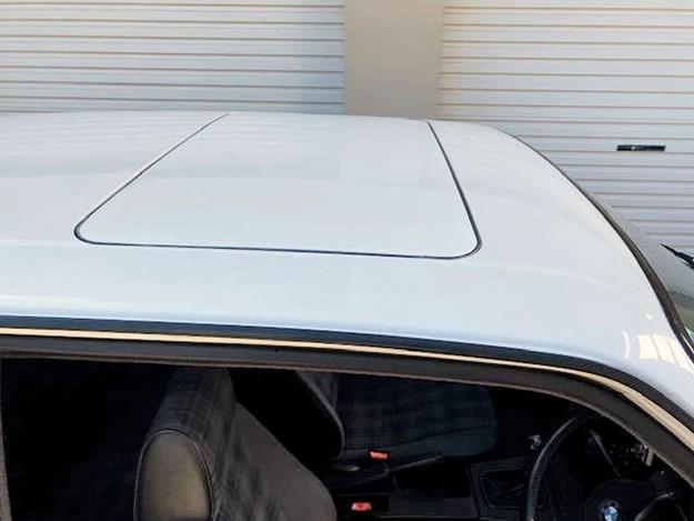 BMW-E30-318is-tempter-sunroof.jpg