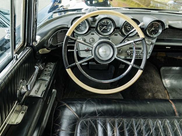 JFK-Continental-V-interior.jpg