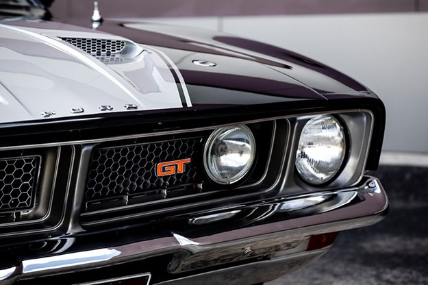 ford-falcon-xb-gt-front-4.jpg