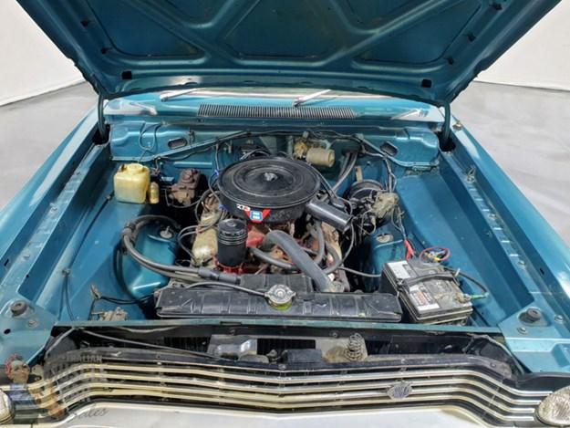 Chrysler-VIP-engine.jpg