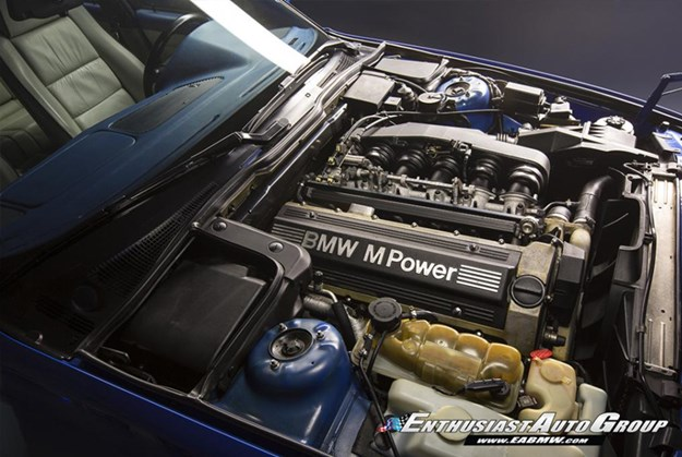 BMW-E34-M5-wagon-engine.jpg