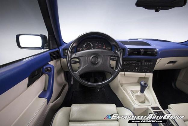 BMW-E34-M5-wagon-interior.jpg