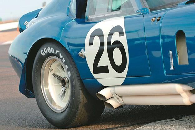 shelby-cobra-exhaust-2.jpg