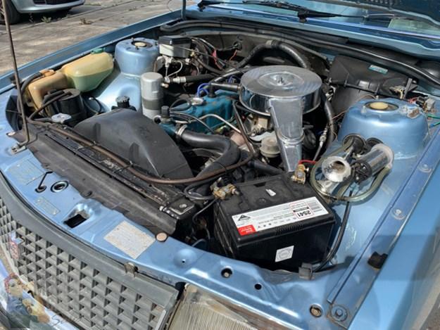 VC-Commodore-engine.jpg