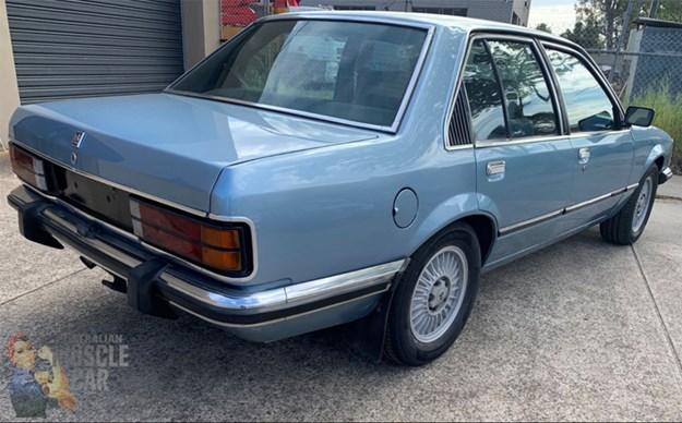 VC-Commodore-rear-side.jpg